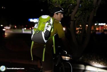 Riderbag-reflektor-night-riding-min