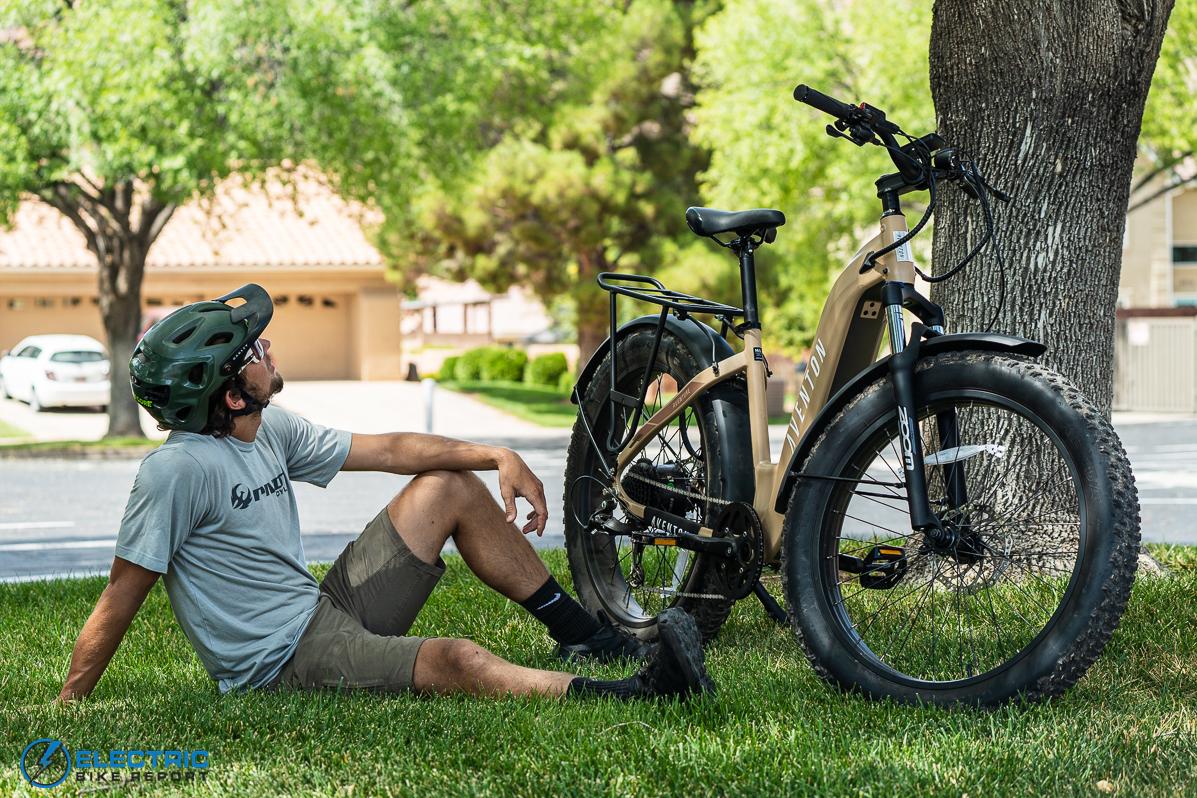 Cool e-bikes aventon aventure integrated battery