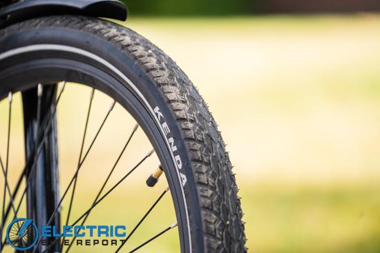 Aventon Level Step Through - Kenda Kwick Drumlin Tires