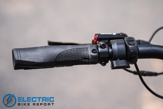 Aventon Pace 500 Step Through Electric Bike Review Thumb Throttle