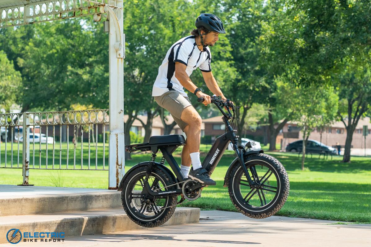 Cool e-bikes moped styling