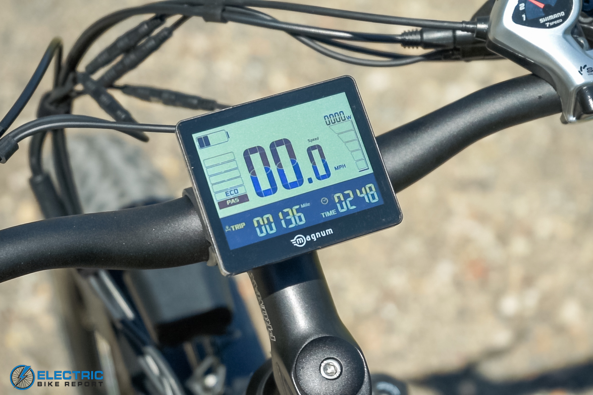Magnum Scout Review - LCD Display