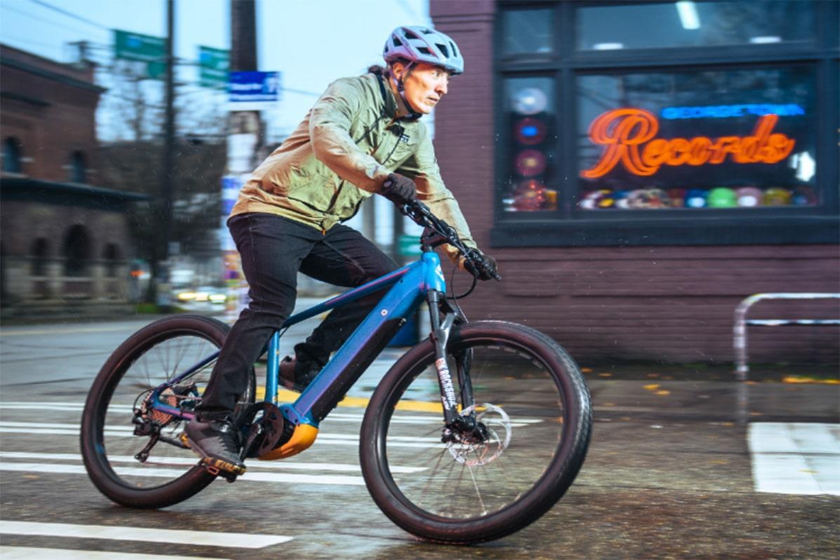 Can I ride my electric bike in the winter? diamondback