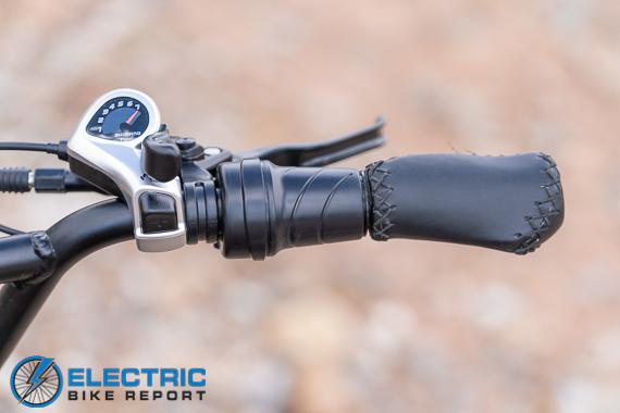 Himiway Escape Electric Bike Review trist grip throttle